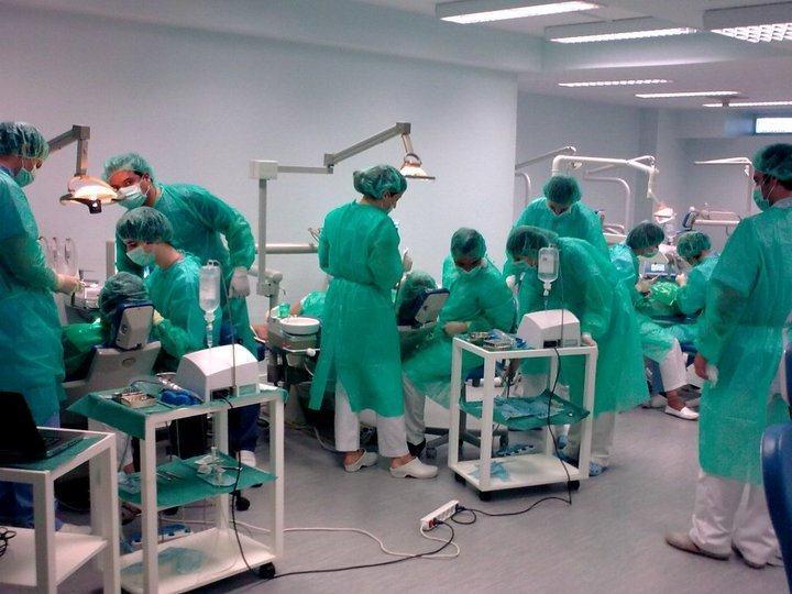 cirurgia-alunos-implantes-eic
